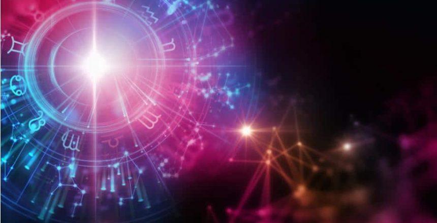 Horoscope-astrologie-voyance-au-feminin